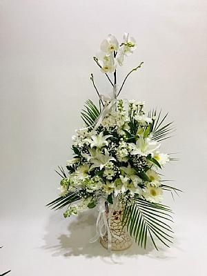 tek dal beyaz orkide aranjmanı